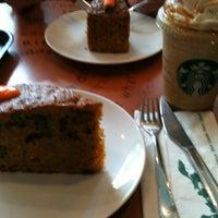 8/9/2012 tarihinde Gökhan K. A.ziyaretçi tarafından Starbucks'de çekilen fotoğraf
