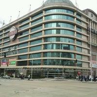 Foto tirada no(a) Shopping Estação por Celso S. em 6/23/2012