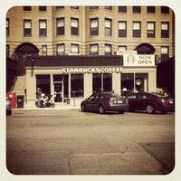 รูปภาพถ่ายที่ Starbucks โดย Katie P. เมื่อ 4/15/2012