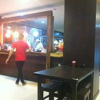 Das Foto wurde bei ร้านอาหารเยาวราช von Nokza T. am 3/18/2012 aufgenommen