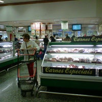 Foto tirada no(a) Sonda Supermercado por Luciana A. em 7/11/2012