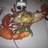 Photo prise au The Oceanaire Seafood Room par Hasanna B. le4/29/2012