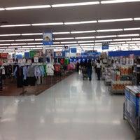 3/10/2012にAlison C.がWalmart Supercenterで撮った写真