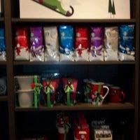 Photo taken at Starbucks by Benjamin F. on 11/26/2011