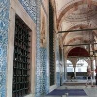 Das Foto wurde bei Rüstem Paşa Camii von Ugur T. am 9/23/2011 aufgenommen