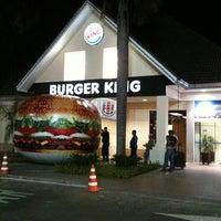 Photo taken at Burger King by Carolina P. on 2/7/2011