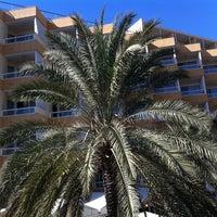 Photo taken at Sahara Playa Hotel Las Palmas by Jakub ☢️ on 1/15/2011