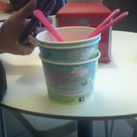 Photo taken at Lemon Tree Frozen Yogurt by Hannah F. on 1/16/2012