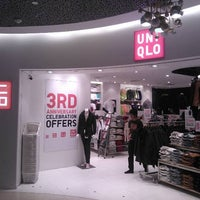 Photo taken at UNIQLO by Samp t. on 12/25/2011