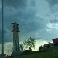 Foto tomada en Allen Premium Outlets por Raymond M. el 7/22/2012