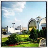 Photo taken at Horseshoe Casino - Southern Indiana by Robbi T. on 5/19/2012