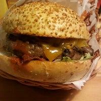 12/30/2011 tarihinde Caner E.ziyaretçi tarafından Route Burger House'de çekilen fotoğraf