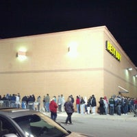 Photo taken at Best Buy by David H. on 11/25/2011