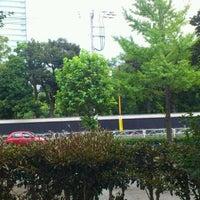 Photo taken at Kyu-Yasuda Garden by Norihiko K. on 9/25/2011