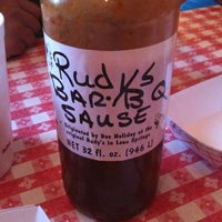 Photo taken at Rudy's Country Store & Bar-B-Q by Lo J. on 8/13/2011