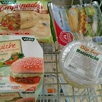 Foto tirada no(a) Master Supermercados por Rogério R. em 7/19/2011
