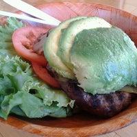 Foto tomada en Kua'āina Sandwich por michael c. el 10/21/2011