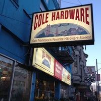 Photo prise au Cole Hardware par Linda K. le3/5/2012