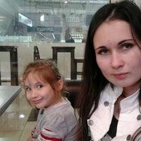 10/8/2011 tarihinde Roman T.ziyaretçi tarafından Айс Холл / Ice Hall'de çekilen fotoğraf