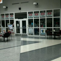 Photo taken at Gateway - Elkhorn Campus Store by Robert C. on 10/4/2011