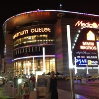 Photo taken at Optimum Outlet by Baskan on 7/22/2012