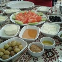 รูปภาพถ่ายที่ Dalakderesi Restaurant โดย Ece Y. เมื่อ 3/4/2012