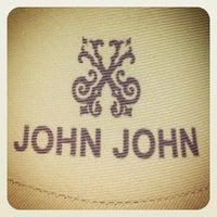 Foto tirada no(a) John John por Eduardo N. em 3/2/2012