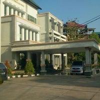 Photo taken at Fakultas Ilmu Sosial dan Ilmu Politik Universitas Mulawarman by Bear H. on 4/8/2012