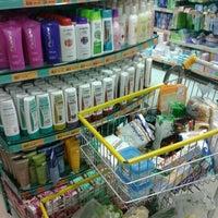 Foto tirada no(a) Supermercado Favorito por Michel R. em 7/6/2012