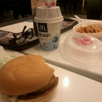 Photo taken at McDonald's by Refi C. on 6/25/2012