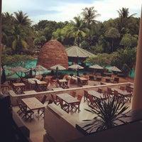 Photo taken at Mövenpick Resort & Spa Karon Beach Phuket by 杨 妈. on 5/6/2012
