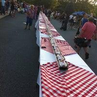 Foto diambil di Scoops Ice Cream & Grille oleh Ashley R. pada 8/26/2011