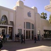 11/5/2011にPatrick C.がApple Lincoln Roadで撮った写真