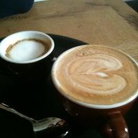 Foto tomada en Hopper Coffee & Bakery por marije v. el 8/18/2011