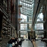 3/29/2012 tarihinde Russell's T.ziyaretçi tarafından Royal Conservatory of Music'de çekilen fotoğraf