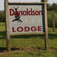 Foto tomada en Donaldson Creek Hunting Lodge  por David C. el 5/28/2011