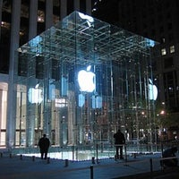 3/1/2012にIsaiah S.がApple Fifth Avenueで撮った写真