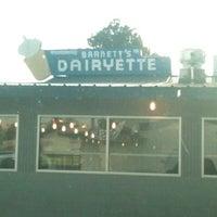 8/17/2011にTina P.がBarnett's Dairyetteで撮った写真