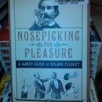 Das Foto wurde bei Half Price Books von Mark S. am 10/2/2011 aufgenommen
