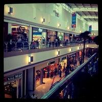 Foto tomada en Galerías Valle Oriente por luis b. el 4/11/2011