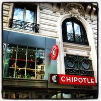 Photo prise au Chipotle Mexican Grill par Samuel M. le6/17/2012