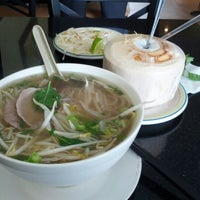 Photo taken at Pho Rowland by Julian K. on 7/16/2012