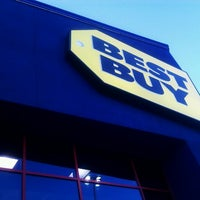 Photo taken at Best Buy by VazDrae L. on 1/29/2012
