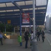 รูปภาพถ่ายที่ Metro =B= Vysočanská โดย Elisabeth M. เมื่อ 6/4/2012