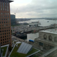 Foto diambil di Seaport Hotel & World Trade Center oleh Ken P. pada 6/7/2012
