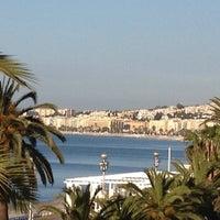 รูปภาพถ่ายที่ Promenade des Anglais โดย Mhay S. เมื่อ 4/6/2012