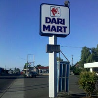 Photo taken at Dari Mart by Thomas P. on 7/31/2011