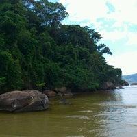 Foto tirada no(a) Praia da Lagoinha por Wilson Luiz N. em 12/18/2011