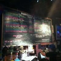 Foto tirada no(a) Hamilton's Tavern por Manny L. em 9/10/2011