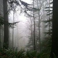Foto tomada en Forest Park - Wildwood Trail por Katrisha T. el 12/18/2011
